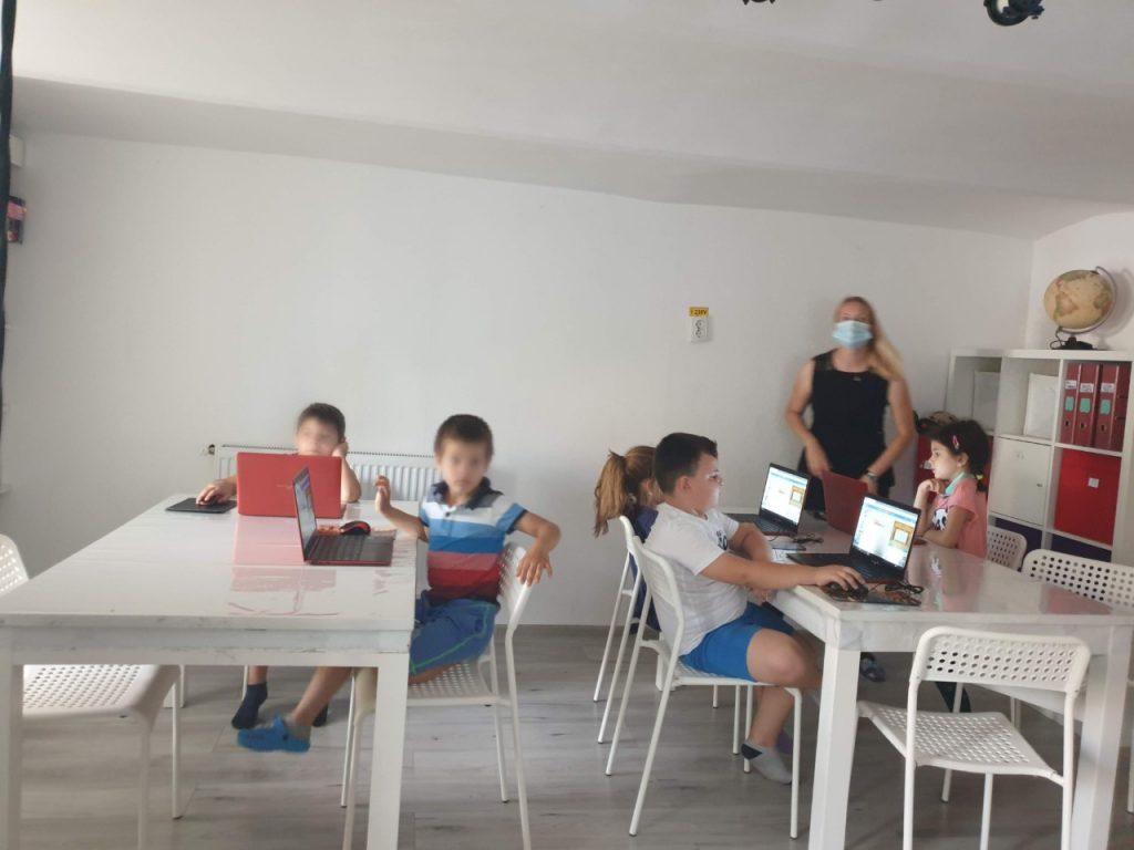 Cursul de programare cu Iotesa Kids la Afterschool Exploratorii Cunoașterii Timișoara - Săptămâna artelor spectacolului3