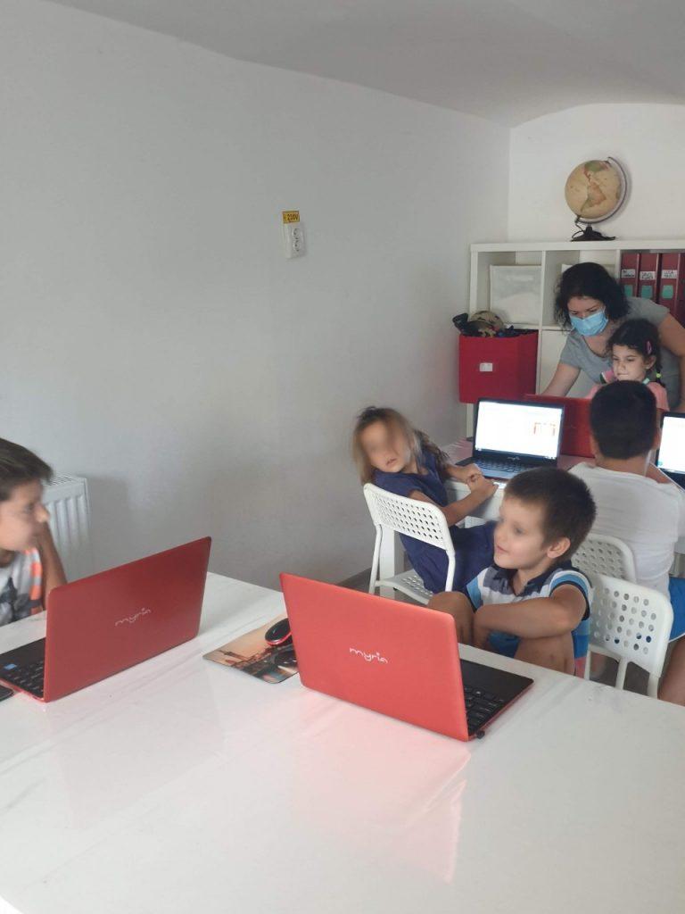 Cursul de Programare cu Iotesa Kids la Exploratorii Cunoașterii - anotimpurile3