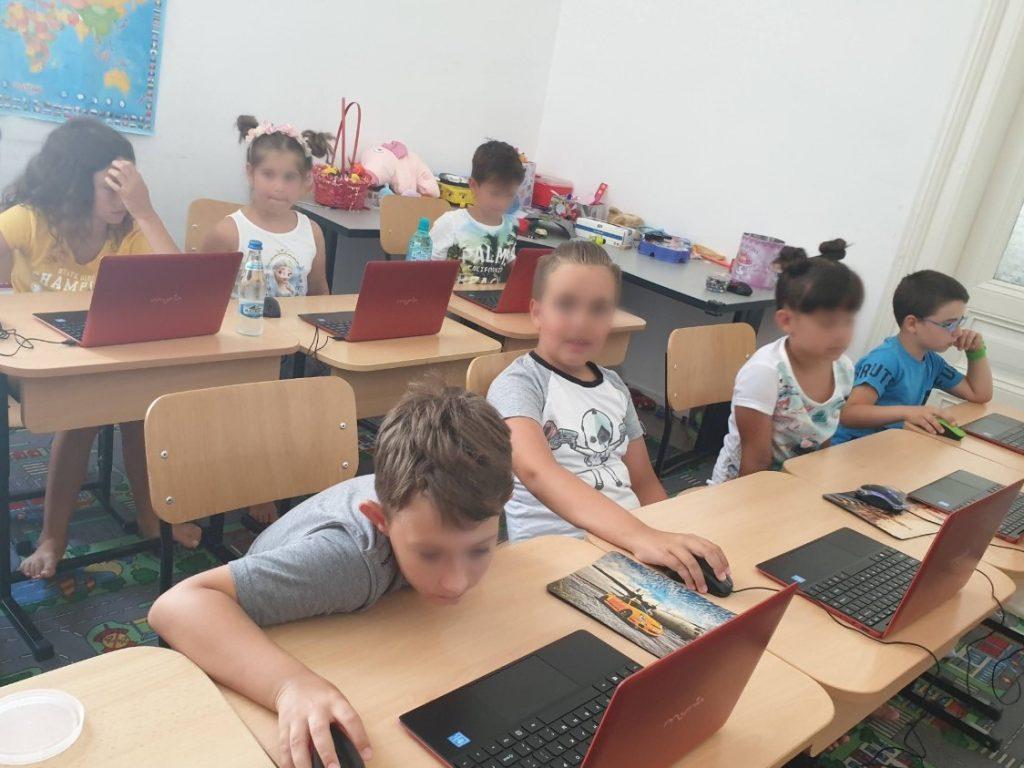 Curs programare pentru copii cu Iotesa Kids la Fritzi After School Timișoara - Trecerea anotimpurilor2