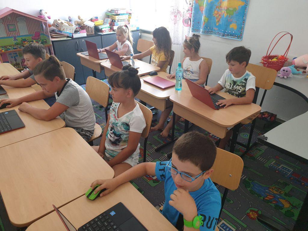 Curs programare pentru copii cu Iotesa Kids la Fritzi After School Timișoara - Trecerea anotimpurilor3