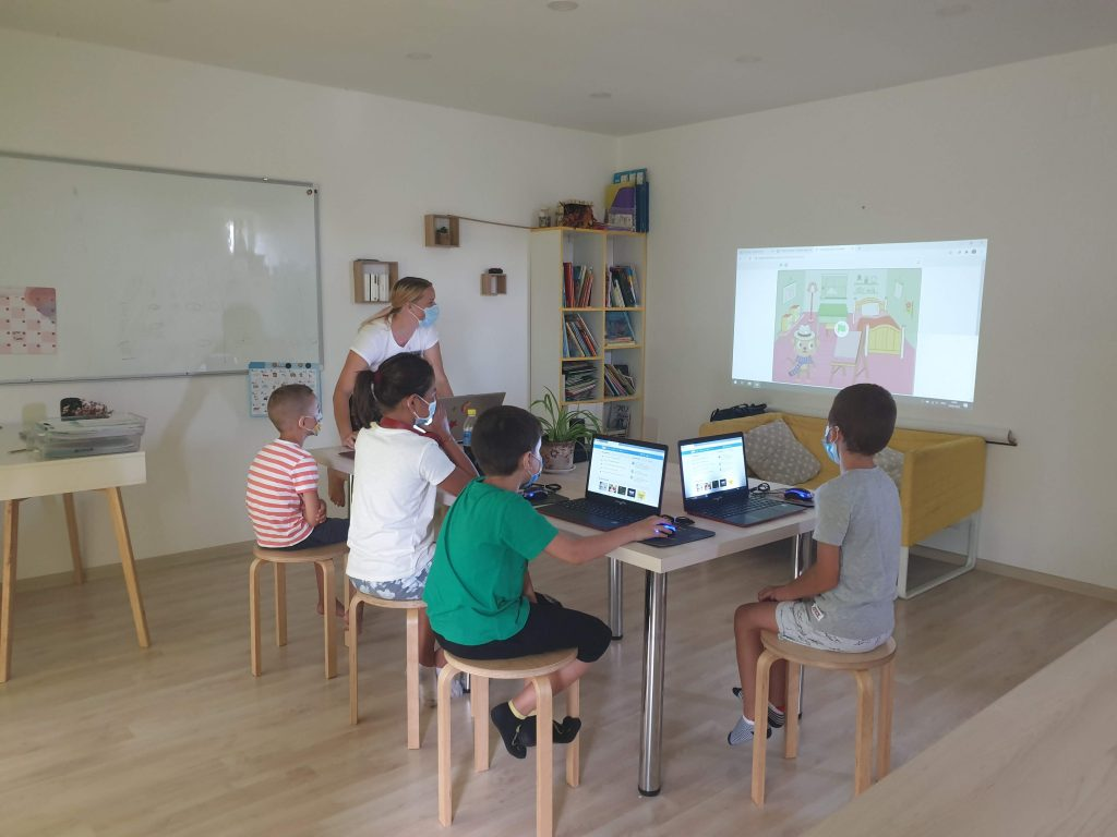 Curs de programare cu Iotesa Kids la Das Kindernest Afterschool Giroc - prima animație interactivă2