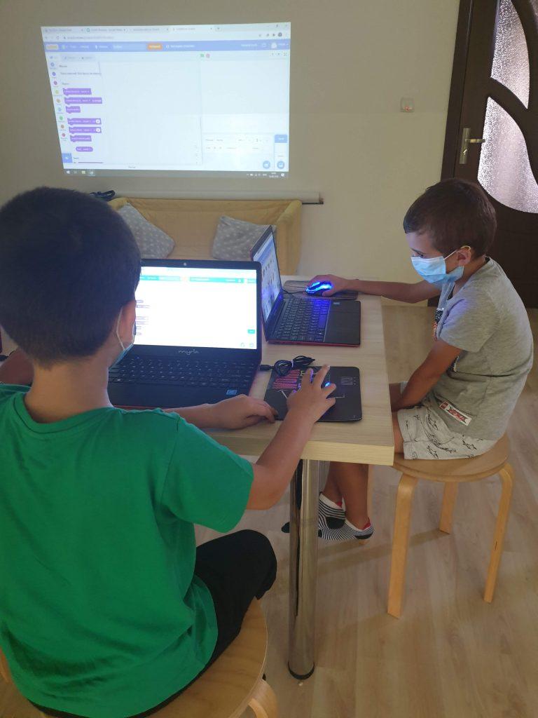 Curs de programare cu Iotesa Kids la Das Kindernest Afterschool Giroc - prima animație interactivă3