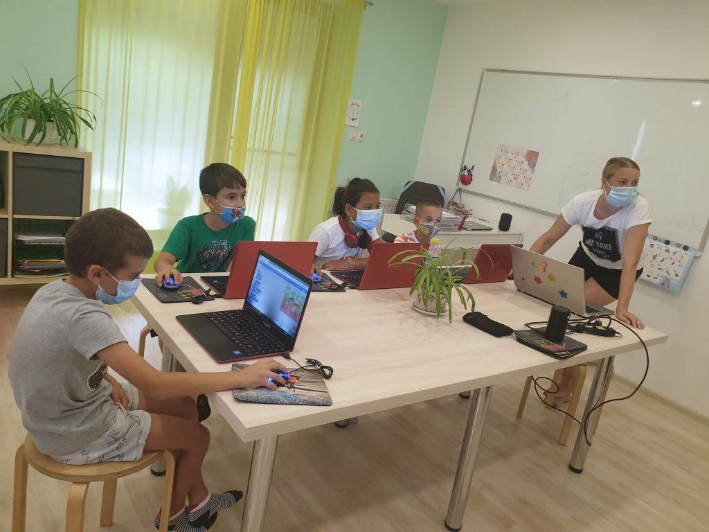 Curs de programare cu Iotesa Kids la Das Kindernest Afterschool Giroc - prima animație interactivă1