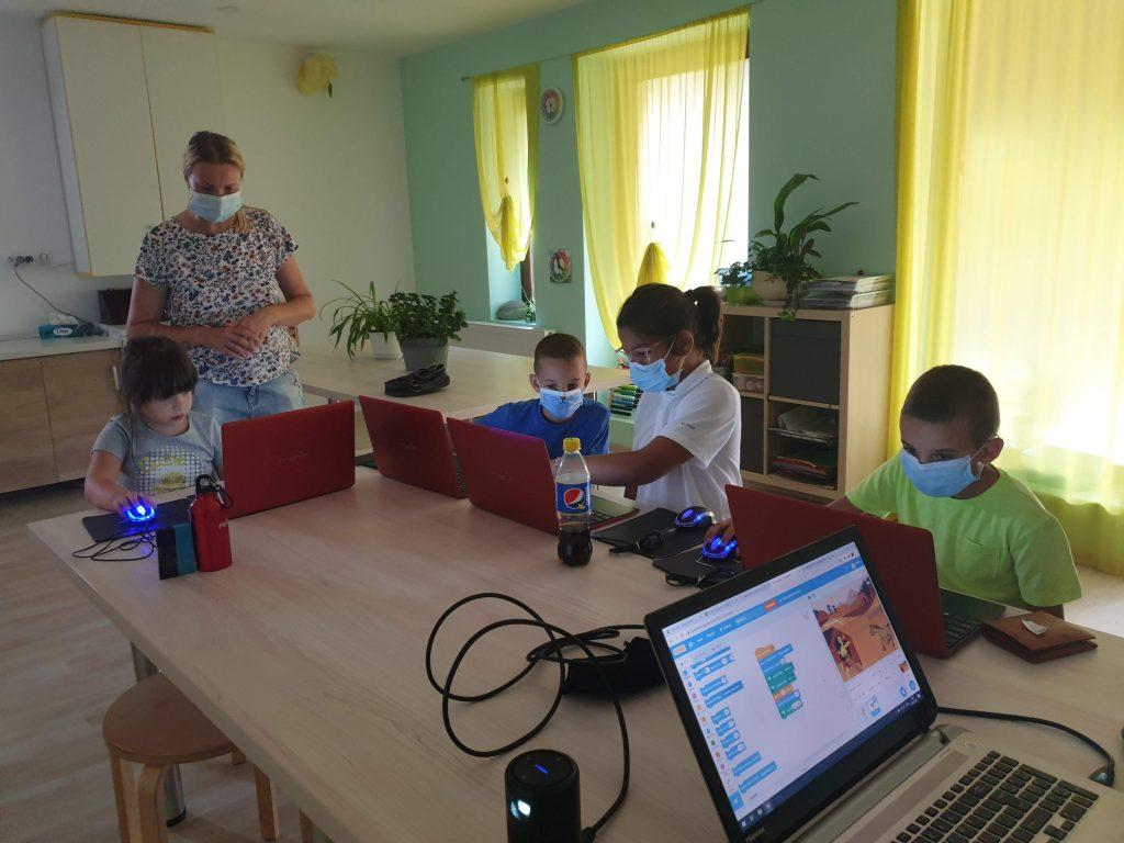 Curs de programare cu Iotesa Kids la Das Kindernest Afterschool Giroc - animație cu voce sintetizată2