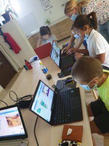 Curs de programare cu Iotesa Kids la Das Kindernest Afterschool Giroc - animație cu voce sintetizată4