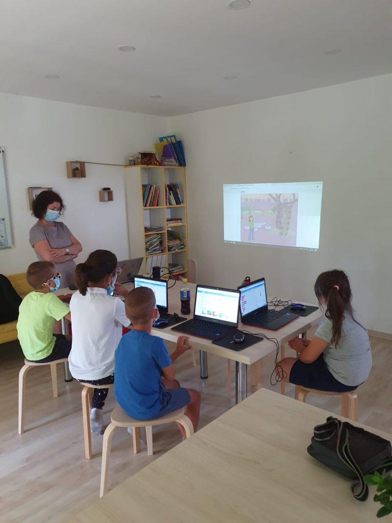 Curs de programare cu Iotesa Kids la Das Kindernest Afterschool Giroc - animație cu voce sintetizată3