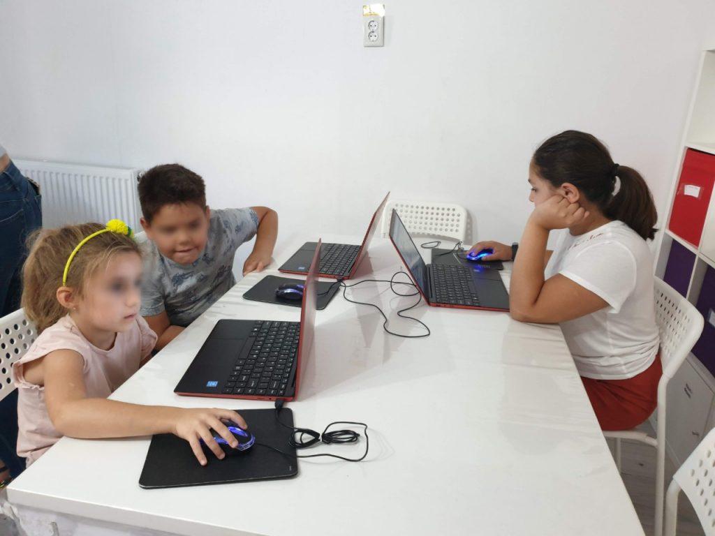 Curs de programare cu Iotesa Kids la Afterschool Exploratorii Cunoașterii Timișoara - Jocul meseriilor3
