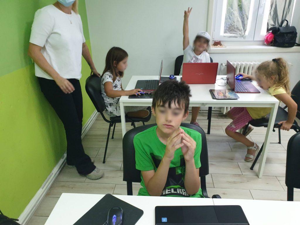 Curs de programare pentru copii cu Iotesa Kids la Adventures After School Timișoara - Animație cu barca pe mare3
