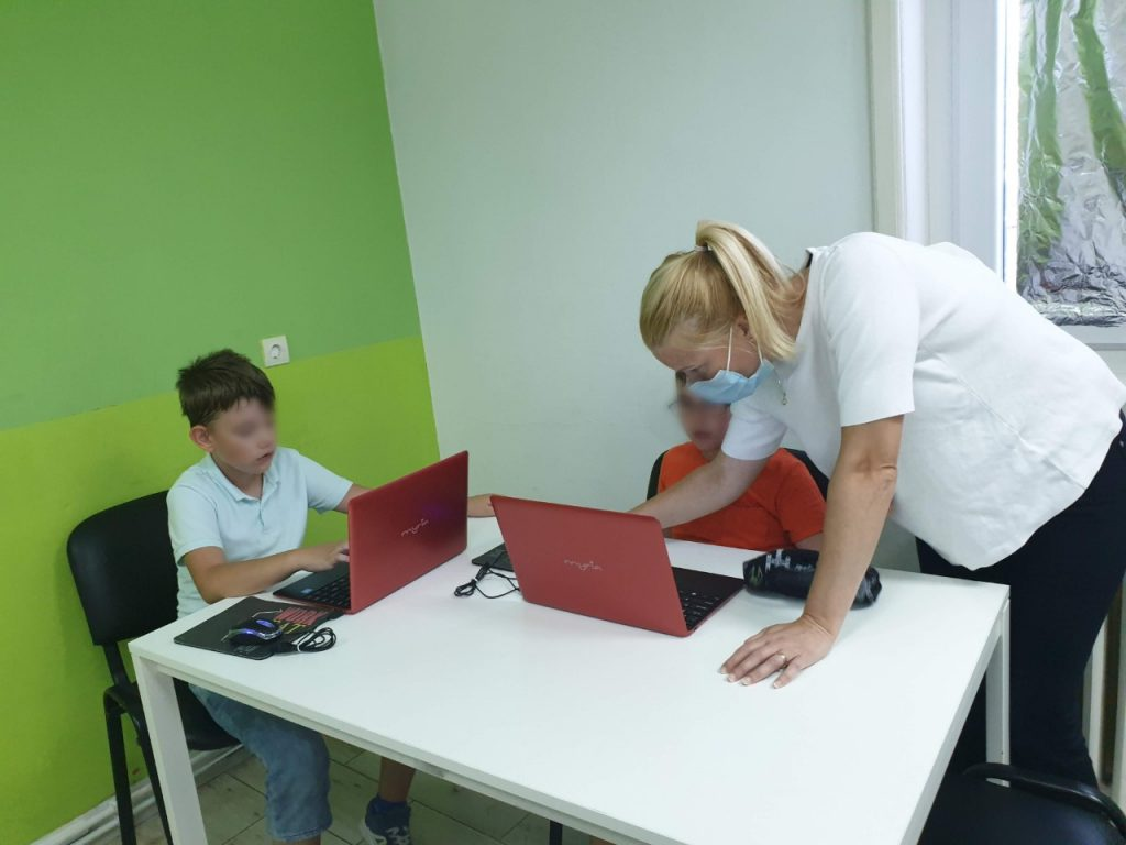 Curs de programare pentru copii cu Iotesa Kids la Adventures After School Timișoara - Animație cu barca pe mare2