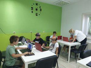 Curs de programare pentru copii cu Iotesa Kids la Adventures After School Timișoara - Animație cu barca pe mare1