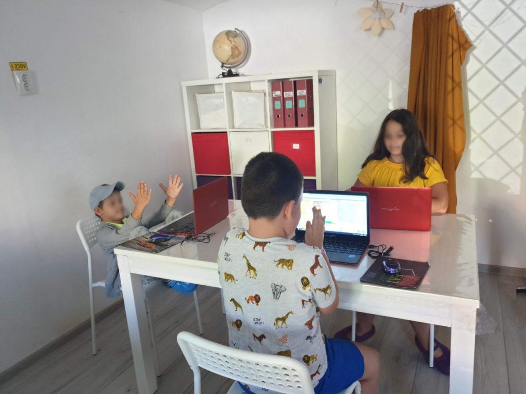 Curs de programare pentru copii cu Iotesa Kids la Afterschool Exploratorii Cunoașterii Timișoara - Jocul cu baloane4