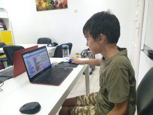 Curs de programare pentru copii cu Iotesa Kids la Adventures After School Timișoara - Joc cu labirint1