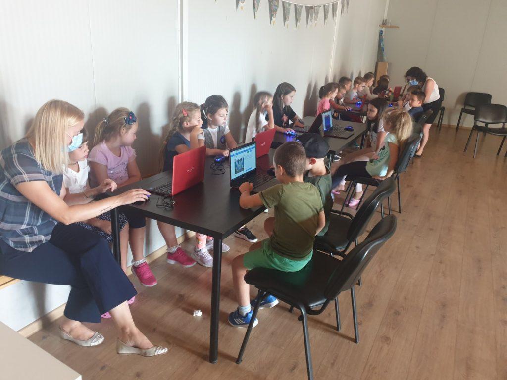 Lecția demonstrativă de programare cu Iotesa Kids la After School Adventures Timișoara - Programare drona3