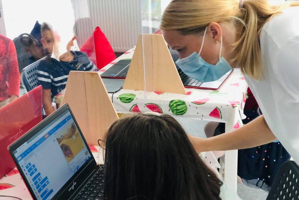 curs-programare-copii-demonstrativ-cu-iotesa-kids-la-centrul-educational-martinel-dumbravita2