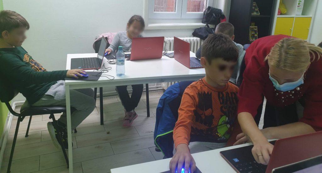curs-de-programare-pentru-copii-cu-iotesa-kids-la-adventures-after-school-timisoara-extensia-stilou3