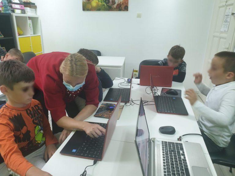 curs-de-programare-pentru-copii-cu-iotesa-kids-la-adventures-after-school-timisoara-extensia-stilou4