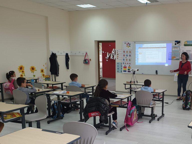 lectia-demonstrativa-de-programare-pentru-copii-iotesa-kids-la-academia-elim-timisoara1