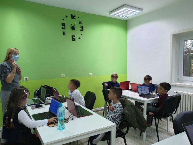 curs-programare-copii-cu-iotesa-kids-la-after-school-adventures-timisoara-pattern-cu-clone3