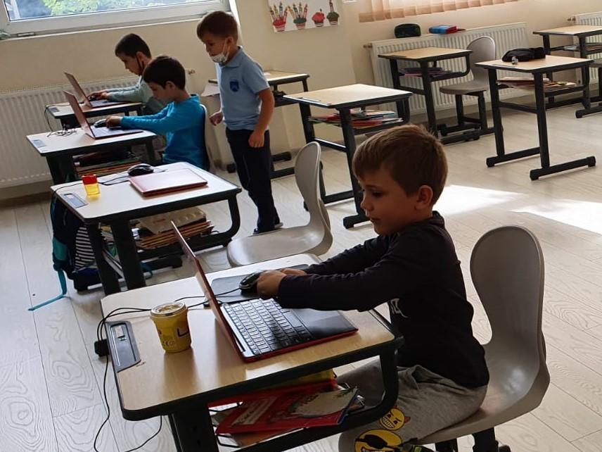 curs-programare-copii-cu-iotesa-kids-la-academia-elim-timisoara-animatie-interactiva3
