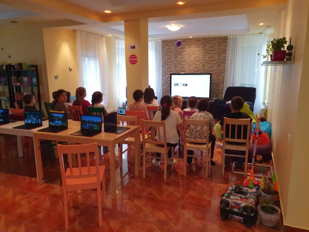 curs-programare-copii-cu-iotesa-kids-la-young-development-hub-dumbravita-lectia-demonstrativa-si-prima-sedina-de-curs1