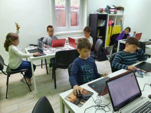 curs-programare-copii-cu-iotesa-kids-la-after-school-adventures-timisoara-animalutul-virtual1