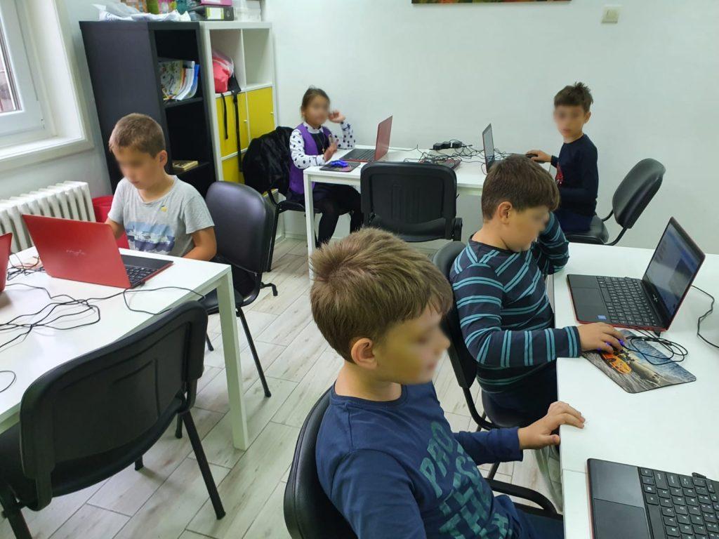 curs-programare-copii-cu-iotesa-kids-la-after-school-adventures-timisoara-animalutul-virtual3