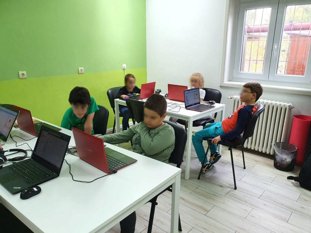curs-programare-copii-cu-iotesa-kids-la-after-school-adventures-timisoara-animalutul-virtual2