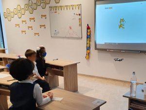 curs-programare-copii-demonstrativ-cu-iotesa-kids-la-wendy-school-iulius-town-timisoara1