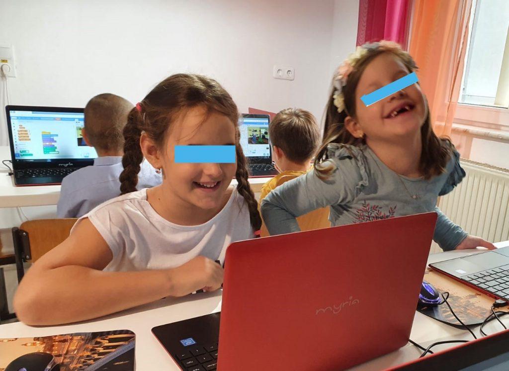 curs-de-programare-pentru-copii-cu-iotesa-kids-la-edes-after-school-timisoara-animatie-interactiva-3