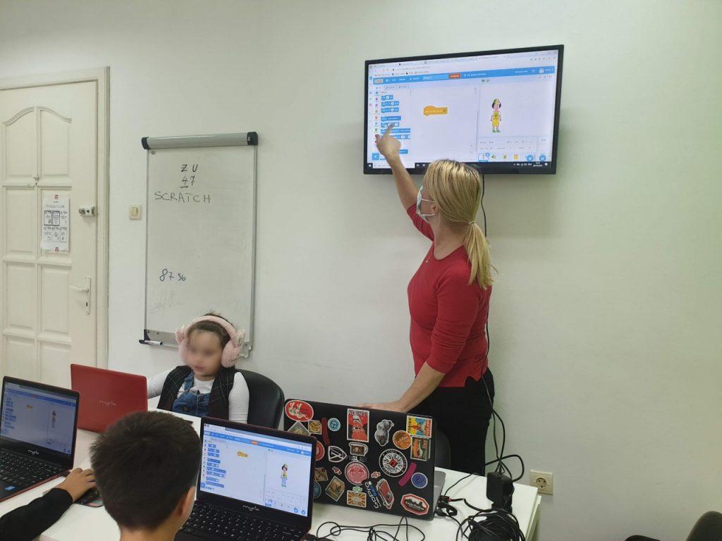 curs-programare-copii-cu-iotesa-kids-la-after-school-adventures-timisoara-animatie-dress-up1