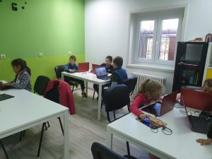 curs-programare-copii-cu-iotesa-kids-la-after-school-adventures-timisoara-animatie-dress-up2