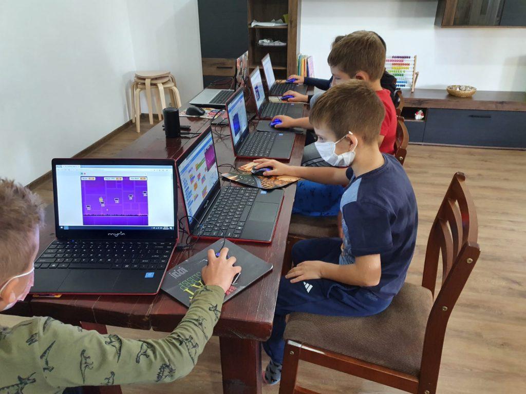 curs-programare-copii-iotesa-kids-la-das-kindernest-afterschool-giroc-jocul-cu-alimente3