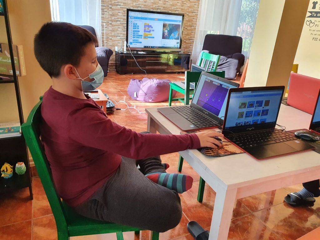curs-programare-copii-cu-iotesa-kids-la-young-development-hub-dumbravita-spatiul-cosmic2