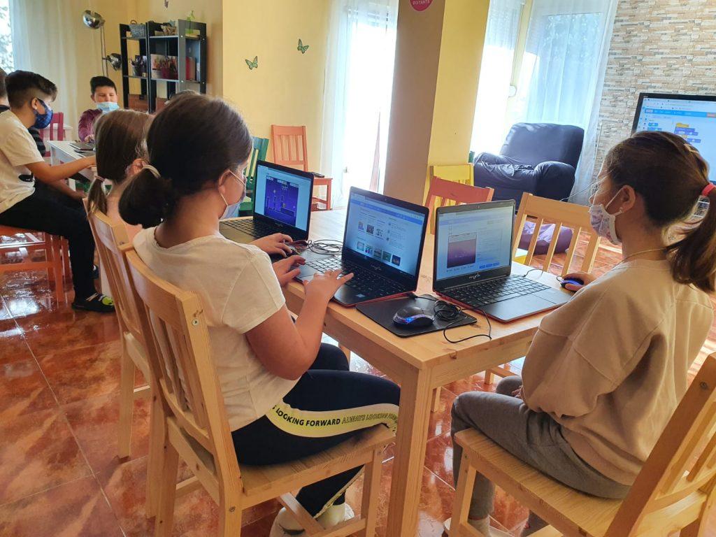 curs-programare-copii-cu-iotesa-kids-la-young-development-hub-dumbravita-spatiul-cosmic1