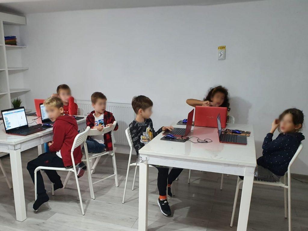 curs-programare-copii-cu-iotesa-kids-la-exploratorii-cunoasterii-timisoaraanimatii-cu-navigatori2