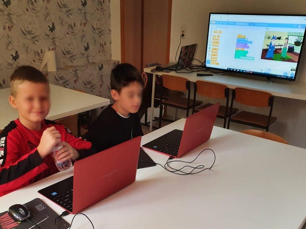 curs-programare-copii-cu-iotesa-kids-la-edes-after-school-timisoara-animatie-text-in-vorbire3