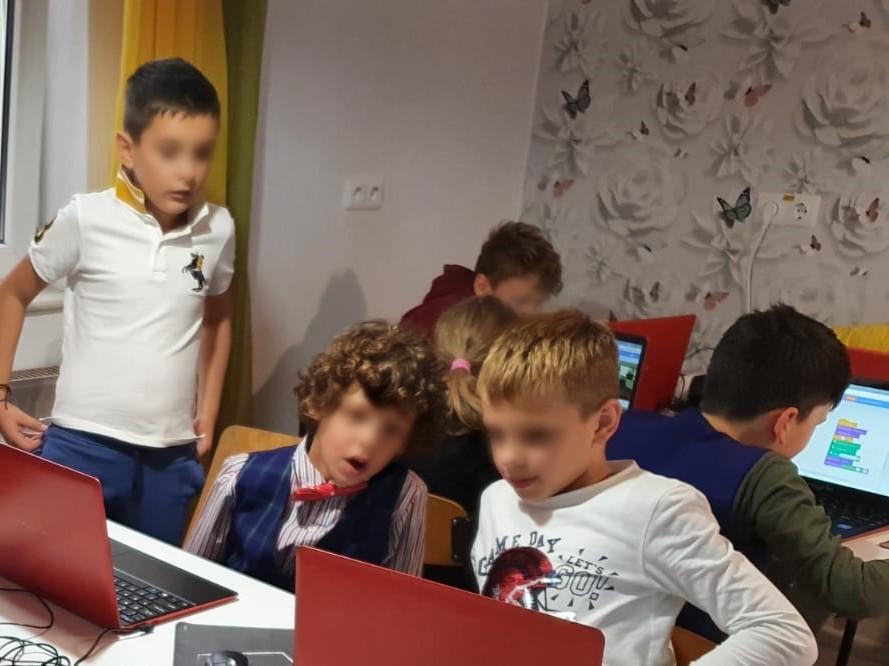 curs-programare-copii-cu-iotesa-kids-la-edes-after-school-timisoara-animatie-text-in-vorbire4