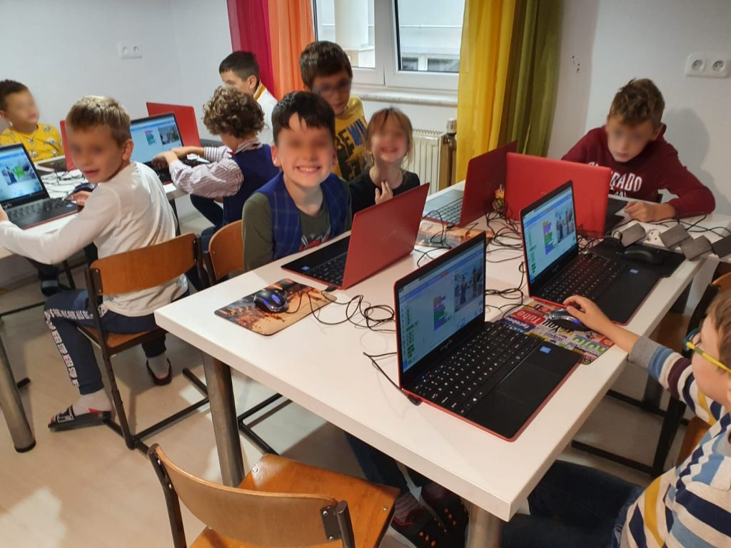 curs-programare-copii-cu-iotesa-kids-la-edes-after-school-timisoara-animatie-text-in-vorbire1