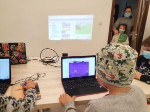 curs-programare-copii-iotesa-kids-la-das-kindernest-afterschool-giroc-alternana-anotimpurilor3