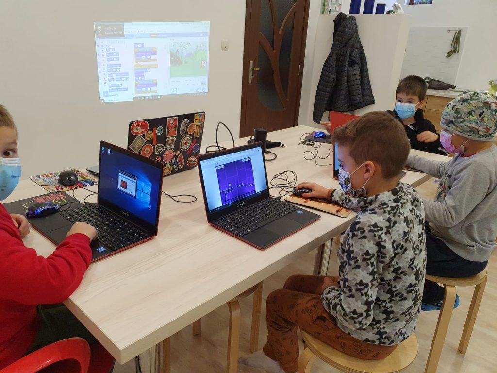 curs-programare-copii-iotesa-kids-la-das-kindernest-afterschool-giroc-alternana-anotimpurilor2