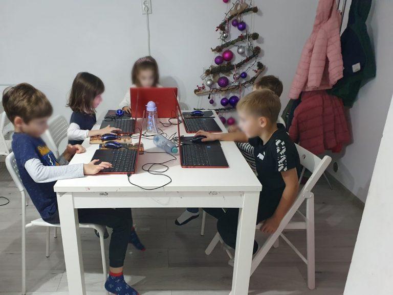 curs-programare-copii-cu-iotesa-kids-la-exploratorii-cunoaterii-timisoara-o-poveste-fantastica3