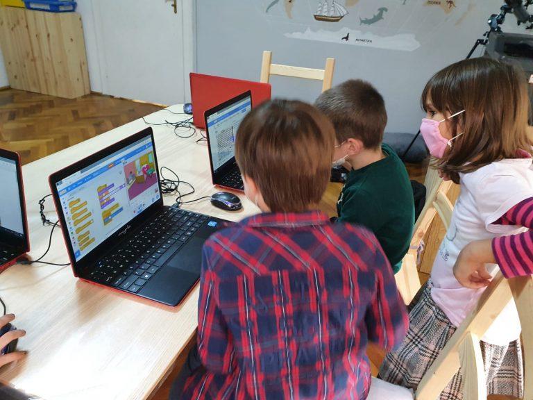 curs-programare-copii-cu-iotesa-kids-la-young-development-hub-dumbravita-imbracatul-personajului3